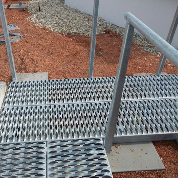 Safe Deck Steps and Flooring