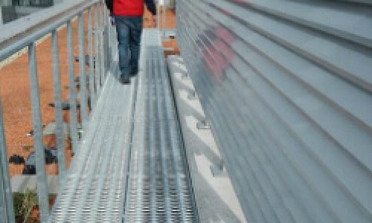 Viaduct Antislip Walkway