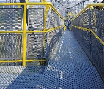 Safety flooring, steel gratin