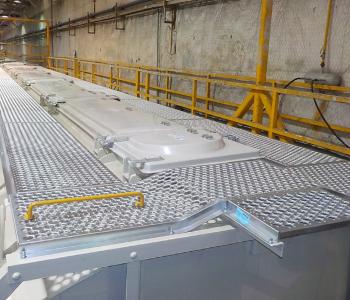 Anti-slip metal flooring